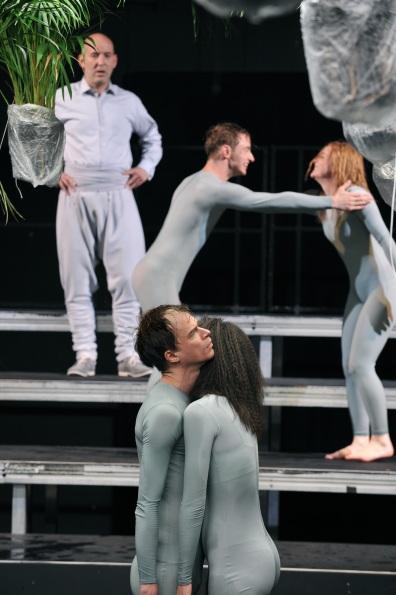 Der Streit (2010) Akademietheater München